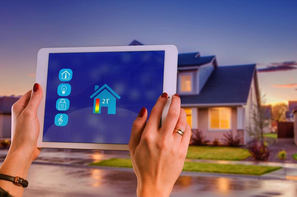 Les objets connectés incontournables dans une maison intelligente
